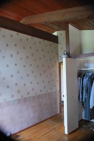 Front bedroom wall & closet